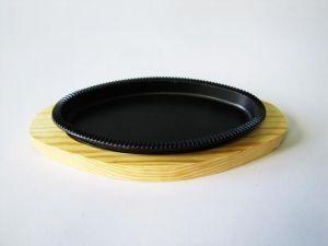 Купить Сковорода чугунная овальная на деревянной подставке 220*130*20мм 18046