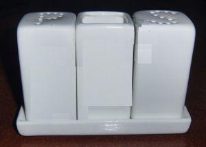 Купить Набор для специй 4предмета ( соль, перец, зубочистки на подставке) F0598