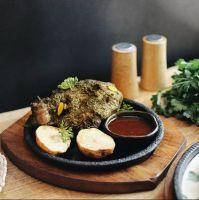 Купить сковорода чугунная на деревянной подставке круглая d-240*20мм 14862 недорого.