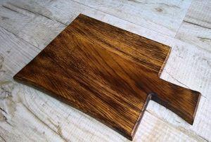 Купить Доска деревянная для подачи блюд с ручкой и обжигом 420х240х20мм дуб