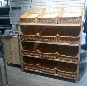 Купить Стеллаж из древесины бука 1300х600*h-1600мм на 4 полки с 12 корзинами из колотой лозы 40*60*h-15см
